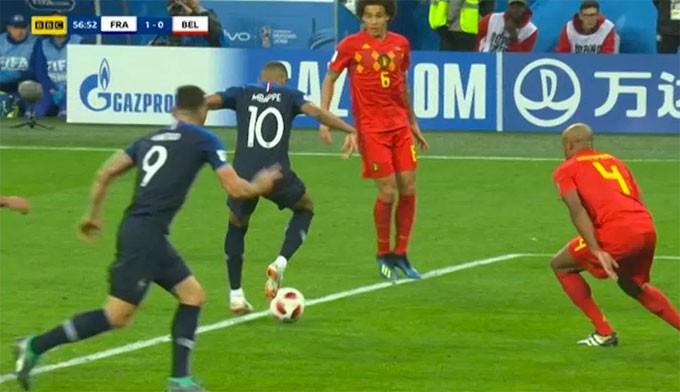 Mbappe để lại khoảnh khắc thiên tài với tình huống xử lý bóng, đánh gót kiến tạo.