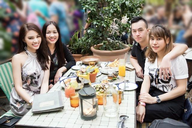 Mặc dù không ở gần nhau nhưng chính gia đình là nguồn động lực để Hoa hậu người Việt tại Úc nỗ lực phấn đấu trong thời gian qua.