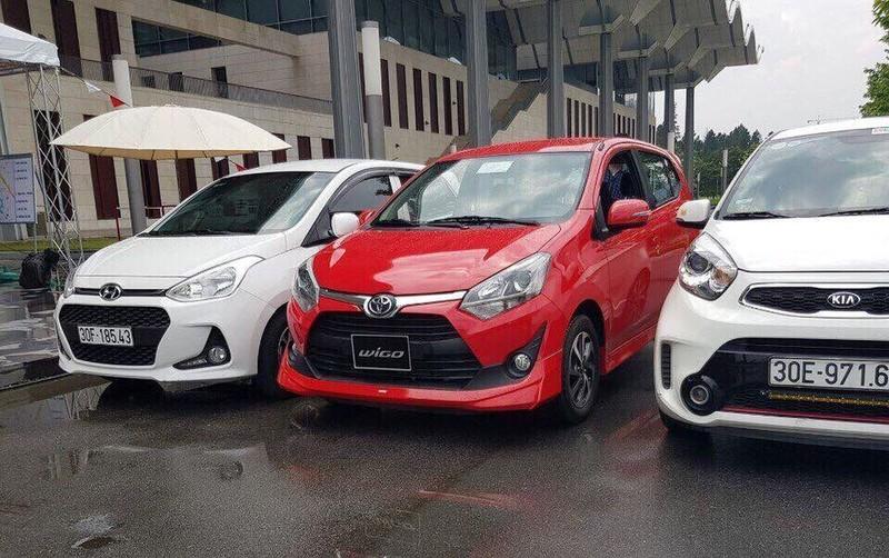 Ô tô nhỏ 300 triệu: Đổ bộ cả loạt, giải cơn khát xế hộp dân Việt