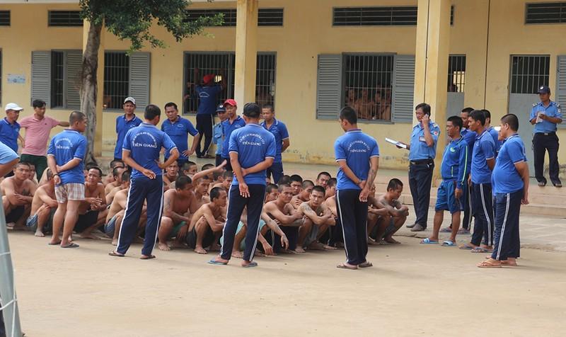 Truy tìm, vận động hàng trăm học viên trở lại cơ sở cai nghiện ở Tiền Giang