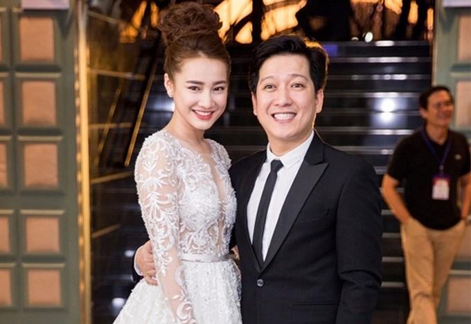Trường Giang thường xuyên sánh đôi Nhã Phương tham dự các sự kiện của làng giải trí năm 2017.