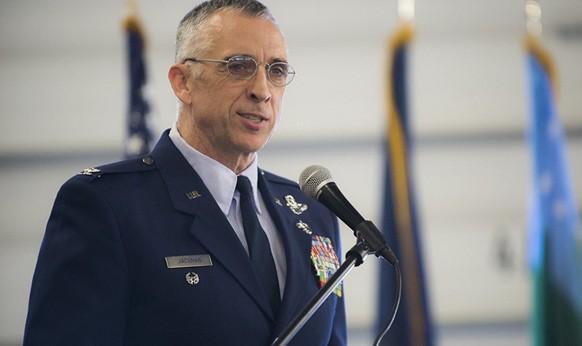 Đại tá Mỹ mất chức vì lái máy bay chiến đấu F-16 đi gặp nhân tình