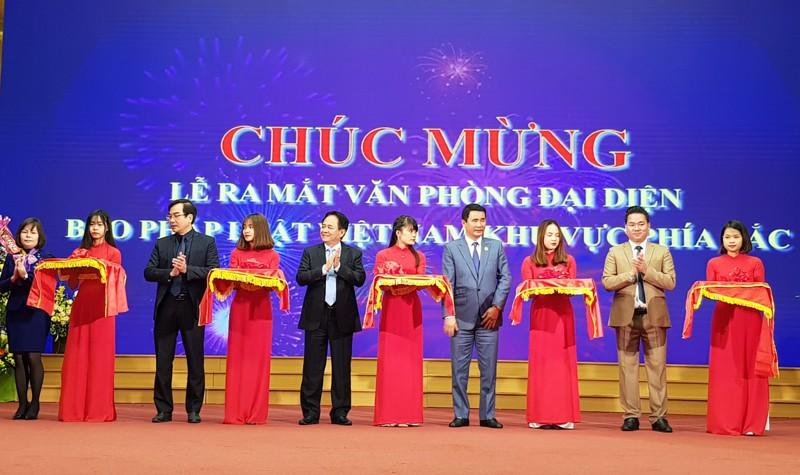 VPĐD khu vực phía Bắc Báo Pháp luật Việt Nam chính thức ra mắt và chung tay xoá nghèo pháp luật