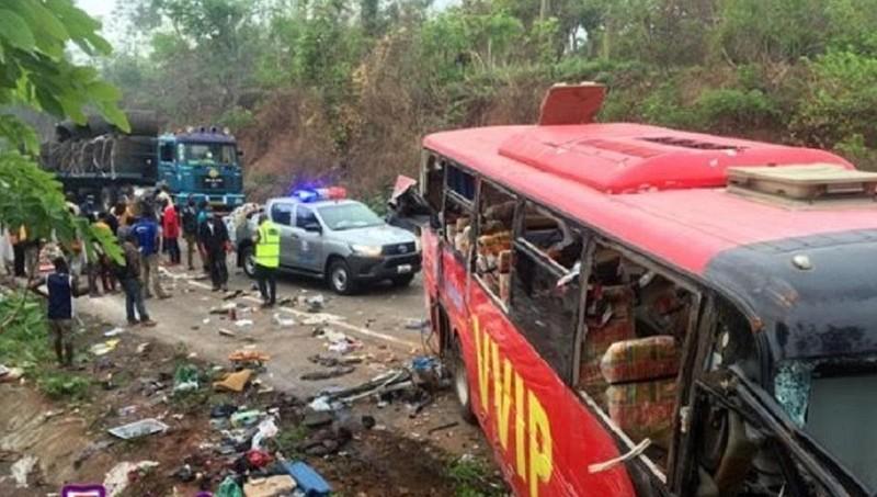 Tai nạn xe buýt kinh hoàng, ít nhất 60 người Ghana thiệt mạng