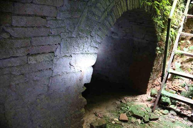 Hà Nội: Bí ẩn hang ngầm dưới đình cổ giáp hồ Tây - 3