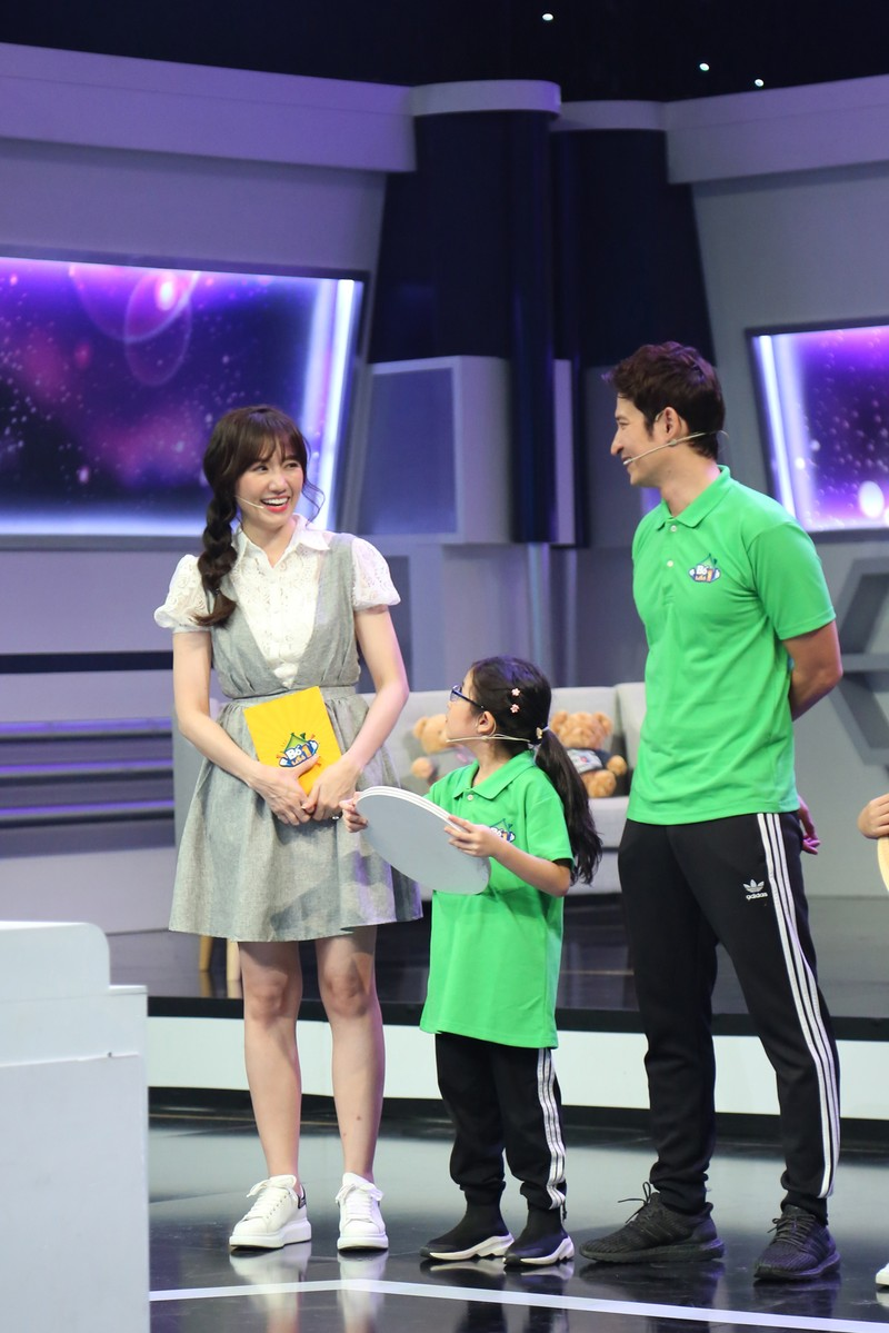 """hari won lai bi nguoi anh than thiet """"lo mieng"""" lam lo chuyen mang bau hinh anh 3"""
