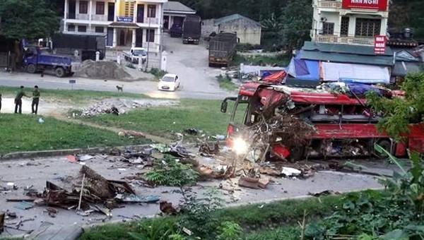 Cảnh báo tai nạn ô tô khách lúc nửa đêm địa bàn miền núi