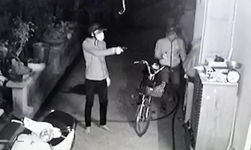 Băng trộm bắt người, tấn công chủ nhà trong đêm ở Sài Gòn