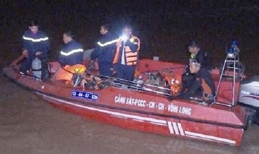 Tìm thấy thi thể bé gái 5 tuổi tử vong trên sông Cổ Chiên