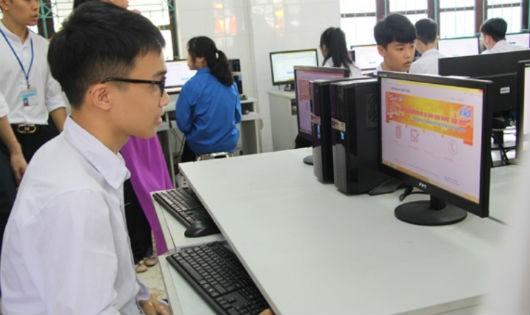Quảng Ninh tăng cường phổ biến giáo dục pháp luật về giao thông cho học sinh