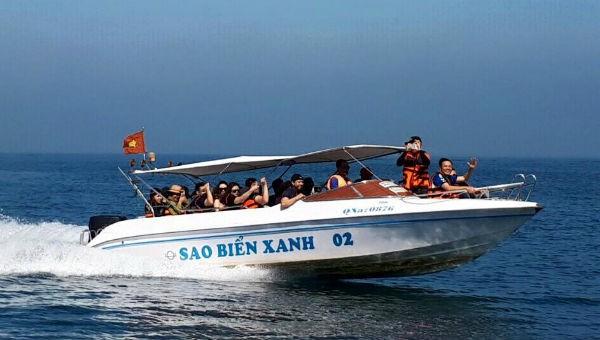 Dừng hoạt động 41 xuồng cao tốc chở khách trên vịnh Hạ Long