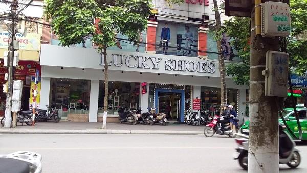Tổng cục Quản lý thị trường vào cuộc vụ shop giày số 1 Hải Dương bán hàng nhái, hàng giả công khai