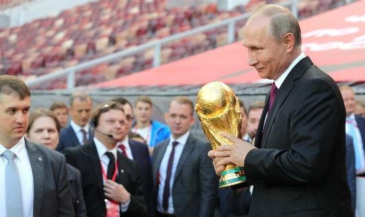 Nước Nga được, mất gì khi đăng cai World Cup 2018?