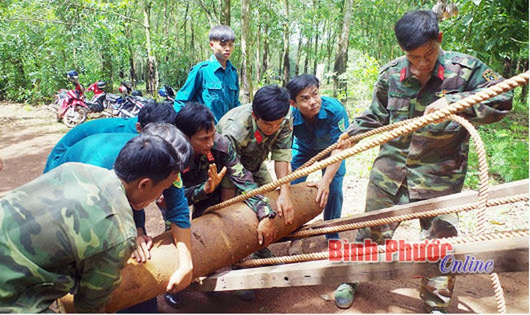 Lực lượng công binh Bình Phước thu gom, xử lý an toàn 1.800kg bom, đạn, vật liệu nổ