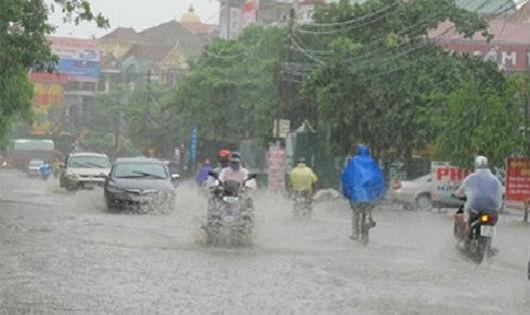 Áp thấp nhiệt đới gây nguy hiểm trên biển Đông và mưa lớn ở Bắc Bộ