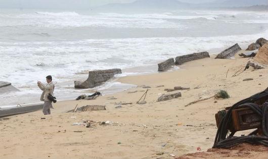 Thừa Thiên-Huế: Xây dựng tuyến kè dài 2,7km chống sạt lở bờ biển