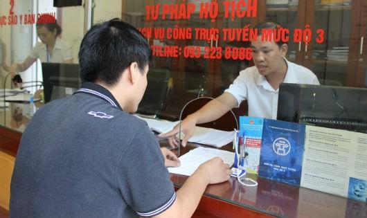 Vận hành dịch vụ công mức độ 3, 4 lĩnh vực tư pháp ở Hà Nội: Phục vụ người dân tốt hơn nữa