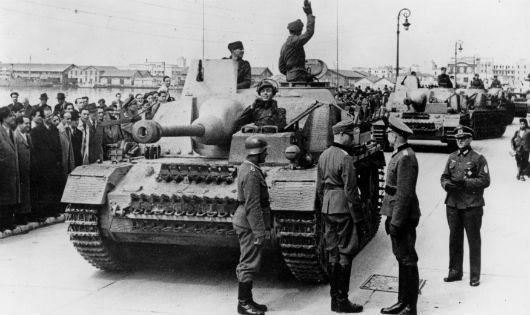 """Hy Lạp đòi Đức bồi thường chiến tranh: """"Cuộc đấu"""" không dễ sớm chấm dứt"""