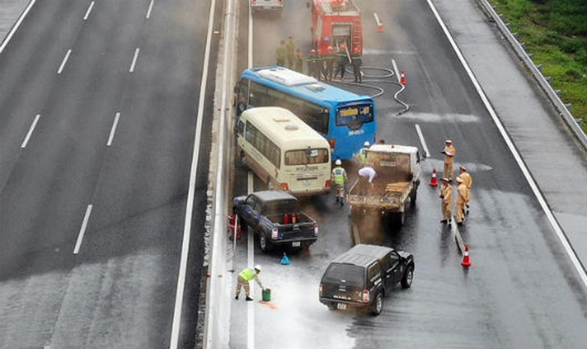 Diễn tập phương án phòng chống ùn tắc trên cao tốc Hà Nội-Hải Phòng
