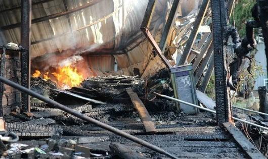 """Hải Phòng: Cố ý gây hỏa hoạn để """"ép"""" di dời công trình xây dựng?"""