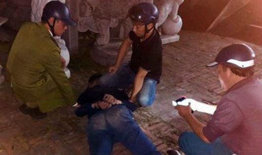 Nam thanh niên xả súng trong chùa rồi tự tử bất thành