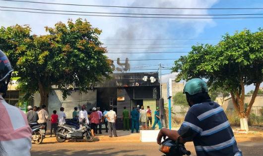 Kinh hoàng cháy nhà hàng do hàn xì, 6 người chết