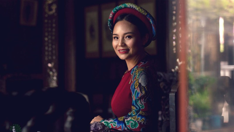 Người phụ nữ đưa giá trị lịch sử vào tà áo dài Việt