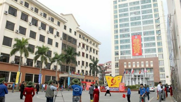 Nhiều giảng viên Đại học công nghiệp Hà Nội bị kỷ luật vì thu tiền chống trượt tiếng Anh