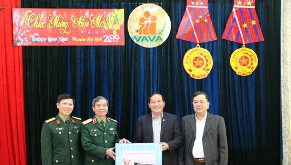 Bộ Quốc phòng chúc Tết Hội Nạn nhân chất độc da cam/dioxin