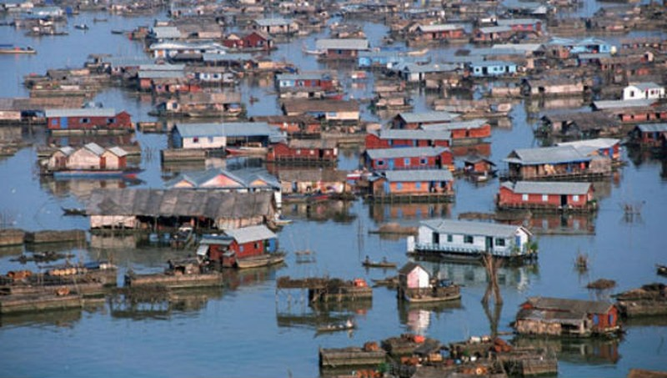 Campuchia: Tương lai nào cho những Việt kiều phải di dời khỏi Biển Hồ?