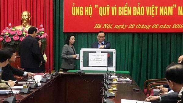 """Thành ủy Hà Nội phát động ủng hộ Quỹ """"Vì biển, đảo Việt Nam"""""""