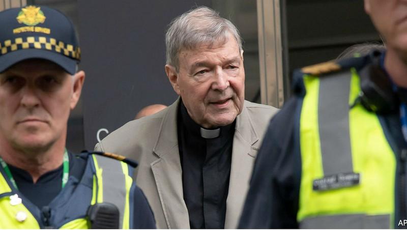 Phiên xử làm rung chuyển cả Tòa thánh Vatican