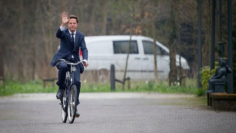 Nơi thủ tướng đạp xe đi làm, trại giam thiếu… tù nhân