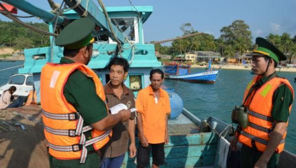 Nâng cao nhận thức pháp luật để ngư dân bảo vệ chủ quyền biển, đảo