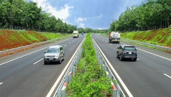 Dự án đường bộ cao tốc trên tuyến Bắc – Nam: Đẩy nhanh giải phóng mặt bằng