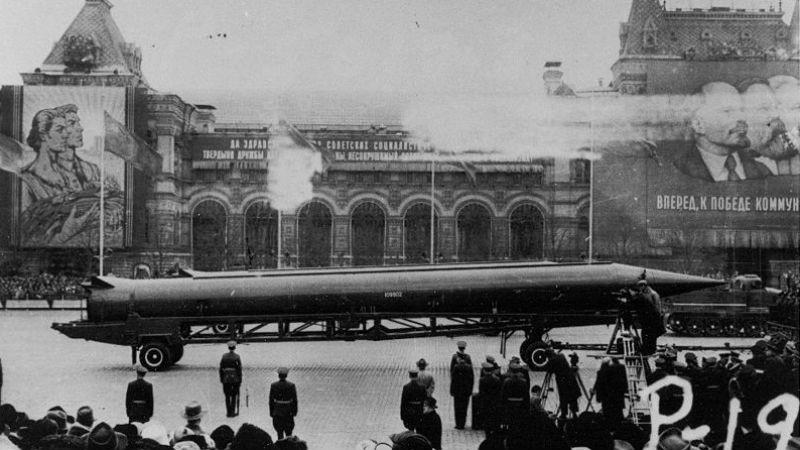 """R-12, loại tên lửa đạn đạo từng khiến nước Mỹ """"thót tim"""""""