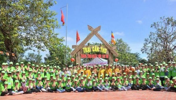 1.500 bạn trẻ tham dự Hội trại 'Tuổi trẻ và Phật giáo' ở Cần Thơ