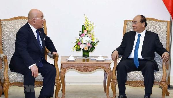 Thủ tướng Nguyễn Xuân Phúc tiếp Cố vấn nội các đặc biệt của Thủ tướng Nhật Bản