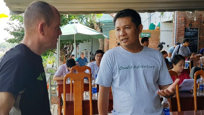 """Đứa con làng Phong Nha nối nhịp cầu """"trả nợ"""" rừng xanh"""