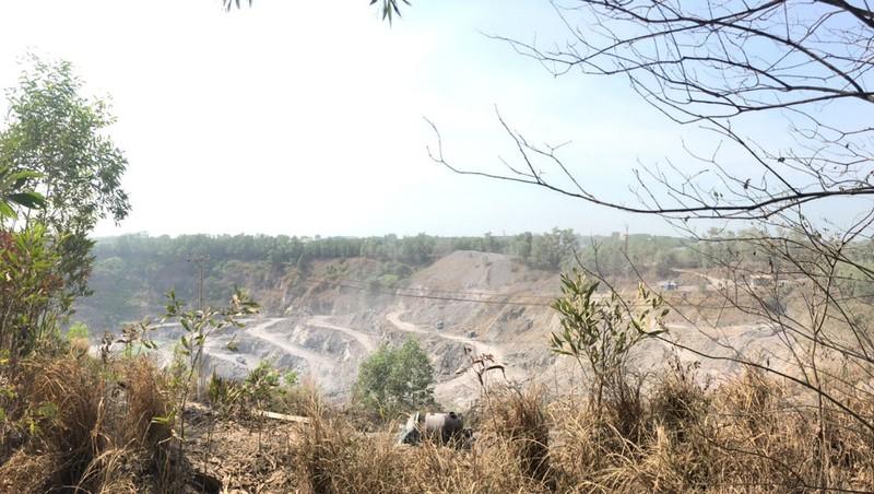 """Xã có 160 triệu m3 đá lại """"đói"""" đá rải đường: DN khai khoáng vừa phạm luật, vừa trốn trách nhiệm xã hội"""