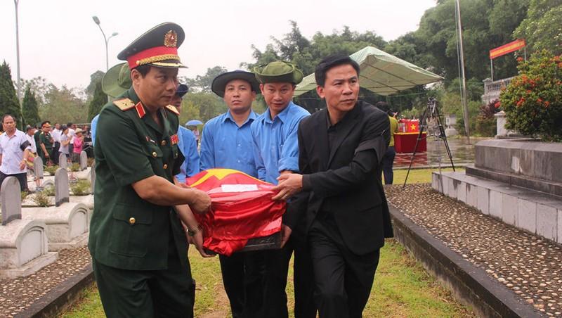 Thừa Thiên - Huế: Truy điệu, an táng 18 hài cốt liệt sĩ quân tình nguyện Việt Nam hy sinh tại Lào