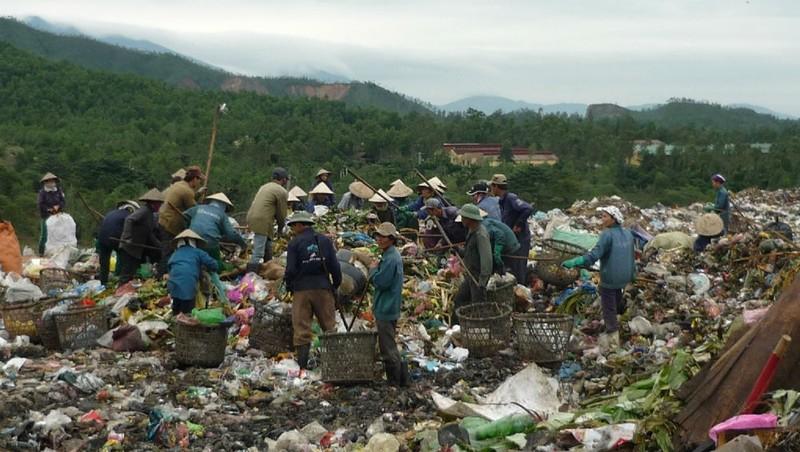Đà Nẵng 'loay hoay' trước vấn nạn rác và ô nhiễm biển