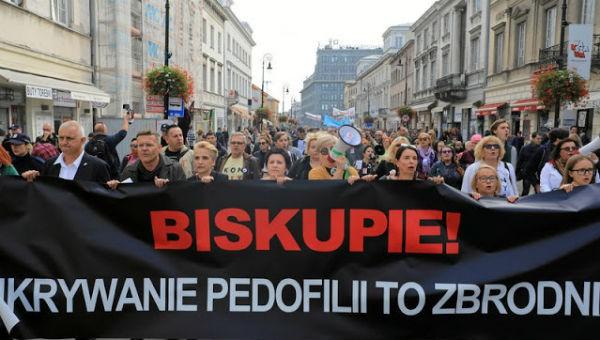 Ba Lan tăng nặng hình phạt đối với tội phạm ấu dâm