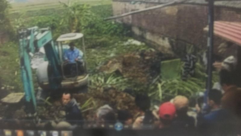 Đào sân, phá vườn đòi chia đất ở Sóc Sơn, Hà Nội: Nghi án hủy hoại tài sản
