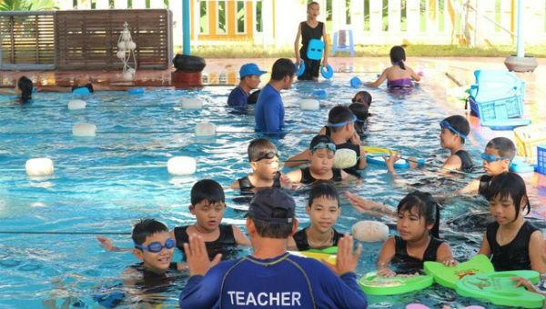 Phòng ngừa đuối nước cho trẻ em mùa mưa lũ