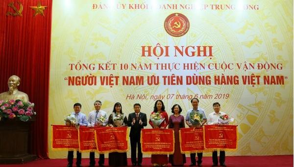 Đề cao trách nhiệm trong việc ưu tiên sử dụng hàng Việt
