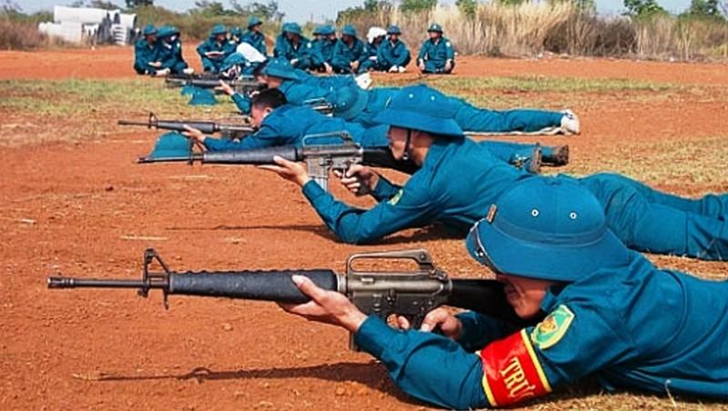 Tránh 'chính quy hóa' lực lượng dân quân tự vệ