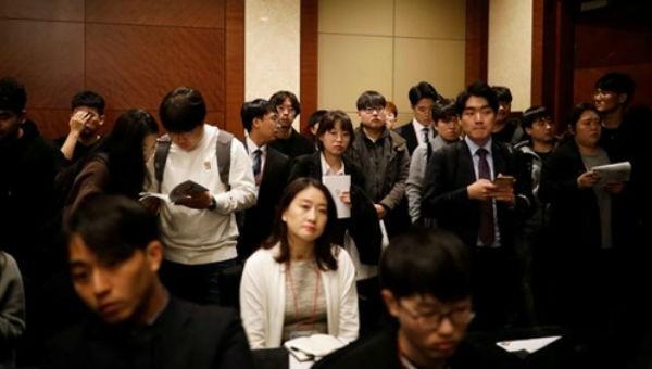 Làn sóng cử nhân Hàn Quốc đổ ra nước ngoài kiếm việc