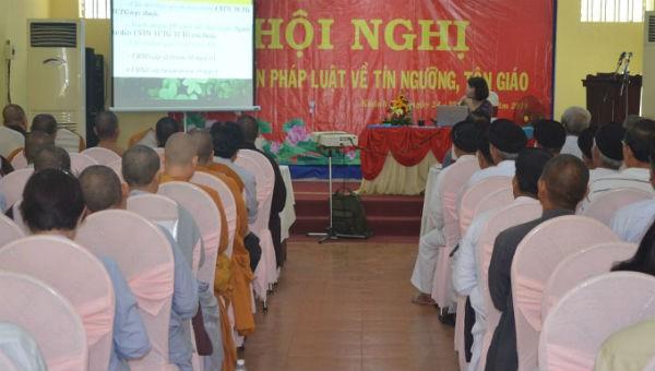 Phổ biến pháp luật tín ngưỡng, tôn giáo cho 200 chức sắc, chức việc tại Khánh Hòa