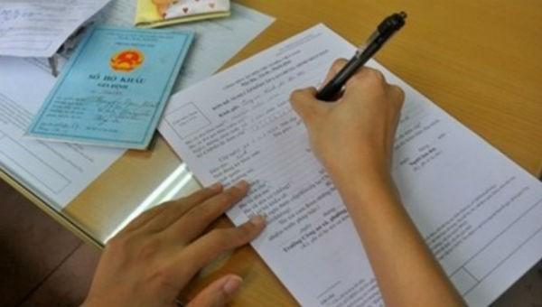 Đăng ký khai sinh cho trẻ: Không tùy tiện yêu cầu thêm giấy tờ
